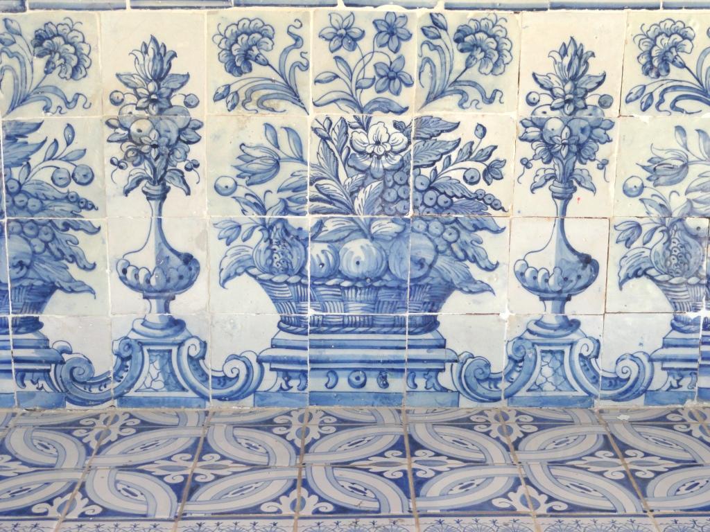Azulejos de cascais concha huerta arte y cultura for Pintura para ceramicos y azulejos