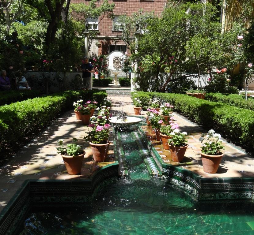 En el jard n de sorolla concha huerta arte y cultura for Jardines 29 madrid